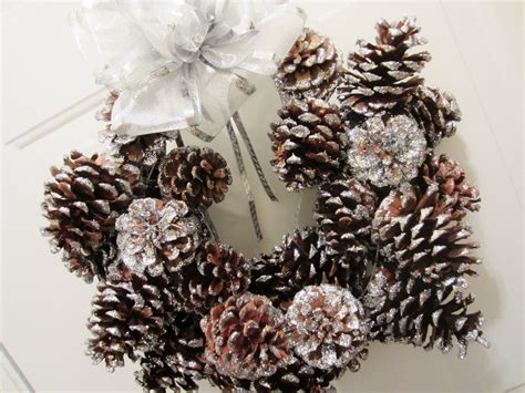 pinecone decorations decorations 1000 images about pinecone crafts on
