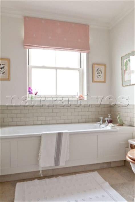 Bathroom Blinds Pink Ew008 18 Pink Blinds Hang At Window Above Bath