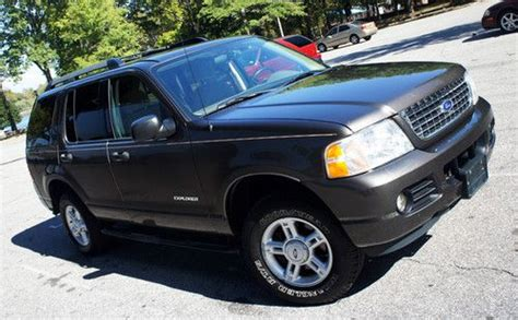 used ford suvs with 3rd row seating purchase used 2005 ford explorer xlt 4x4 loaded suv sport