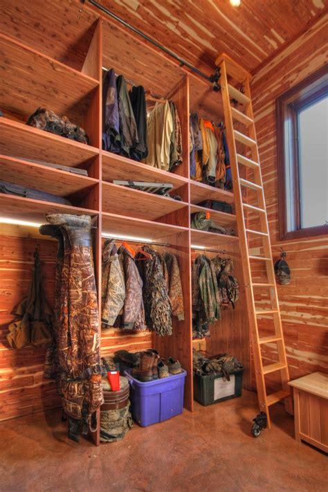 Cedar Closet Storage by Best 25 Cedar Closet Ideas On Cedar Lined