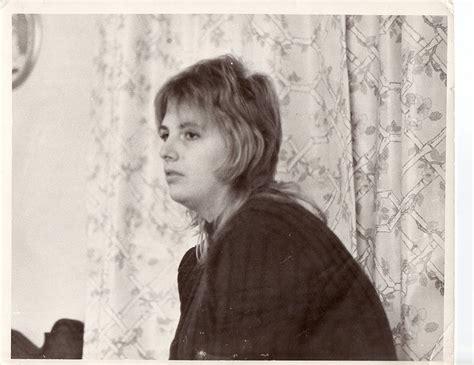 1971 shag hairstyle 1972 shag hair style my mother s shag haircut i was born