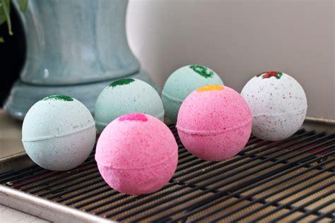 Handmade Bath Bomb - bath bombs with living essential oils