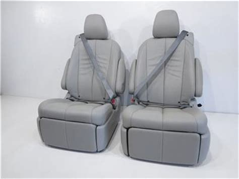 Toyota Reclining Seats by Toyota Second Row Grey Leather Recliner Seats 2011