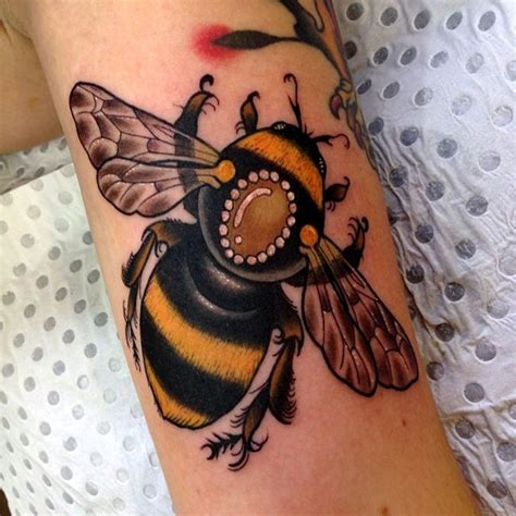 traditional bee tattoo 36 traditional bumblebee tattoos pictures