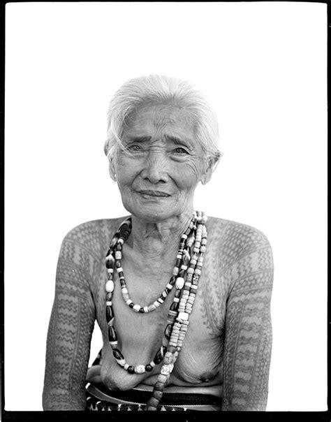 older women with tattoos the vanishing tattoos of the kalinga tribeswomen the