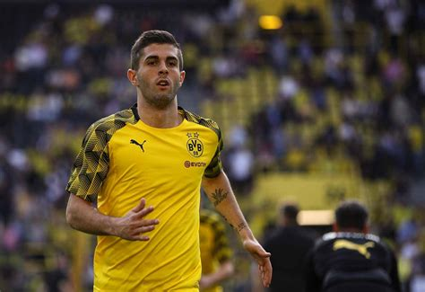 christian pulisic to chelsea chelsea interested in borussia dortmund starlet christian