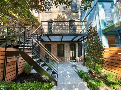 moonstruck glenn gissler moves to brooklyn heights top 25 ideas about brooklyn brownstone on pinterest