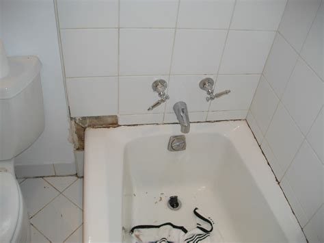 bathroom caulking service how to re caulk bathroom tile learn how to re caulk your
