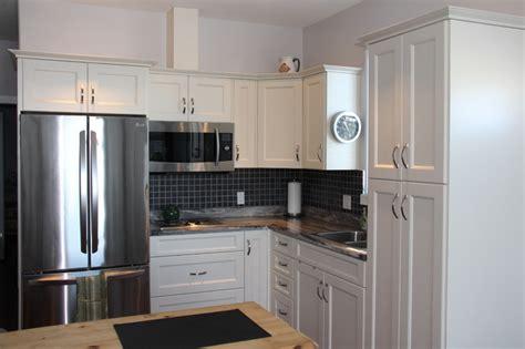 antique white shaker kitchen cabinets antique white pvc shaker style kitchen cbell river