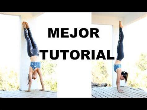 tutorial yoga principiantes las 25 mejores ideas sobre parada de manos en pinterest
