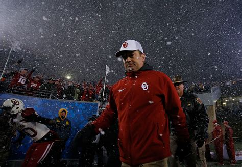 Oklahoma Background Check Bob Stoops Is Either Ignoring Background Checks Or Oklahoma S Background Checks Are