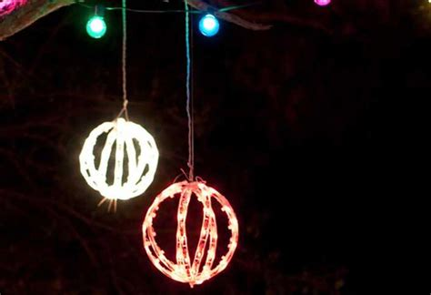 hanging christmas tree lights vertically creative ways to decorate with christmas lights