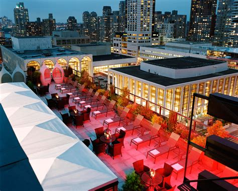 top hotel bars nyc coctails in the clouds top rooftop bars be you spirit
