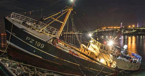 fishing boat load crossword coastguard update after fishing boat smashes onto rocks at
