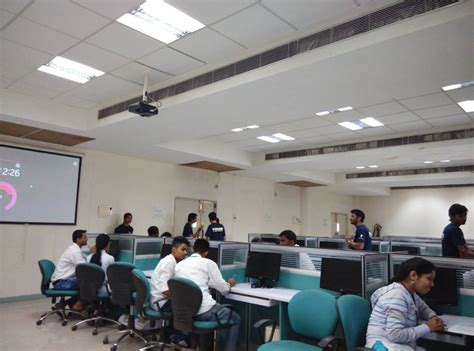 mgm college  engineering  technology noida overview  admissionfees placement