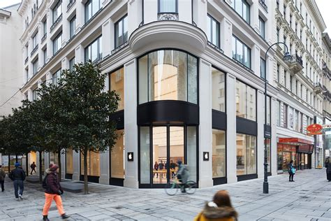 apple austria apple shows off its gorgeous new vienna store ahead of