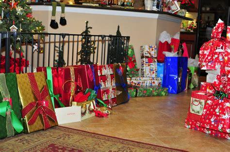 www davidandbelynda com opening christmas presents