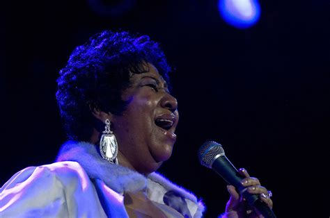 Performs At House Of Blues by Aretha Franklin Performs At The House Of Blues Zimbio