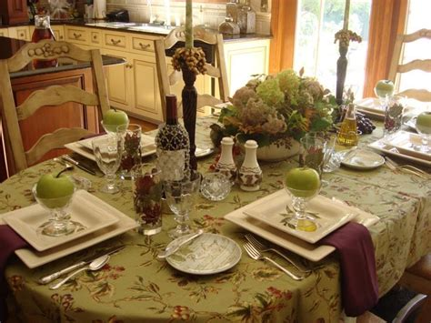 how to dress a dining room table 1000 ideas about everyday table centerpieces on