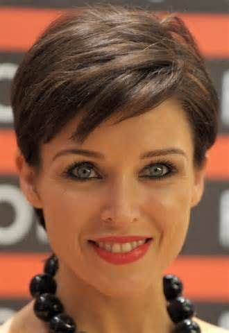 alyssa milano hairline 137 best short hair images on pinterest pixie haircuts
