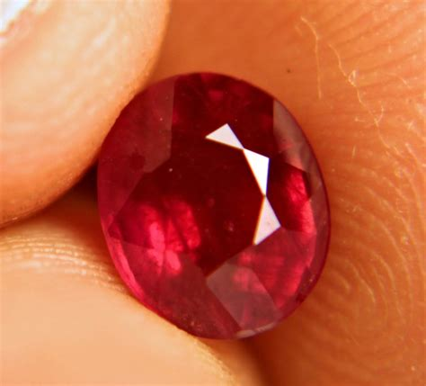 Ruby Afrika 5 95 Carat 2 95 carat vs fiery cherry ruby gorgeous