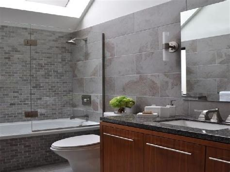 Grey Bathrooms Ideas by 20 Refined Gray Bathroom Ideas Design And Remodel Pictures
