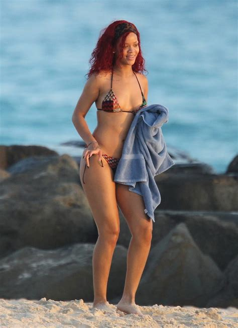 rihanna best celebrity bodies rihanna bikini pictures in barbados for christmas