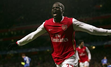 arsenal queen arsenal news emmanuel eboue offered to quit football to