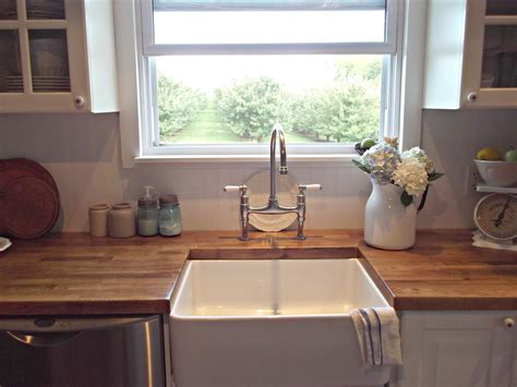Farmhouse Kitchen Countertops by Farmhouse Style Sinks Rustic Farmhouse A Farm Style