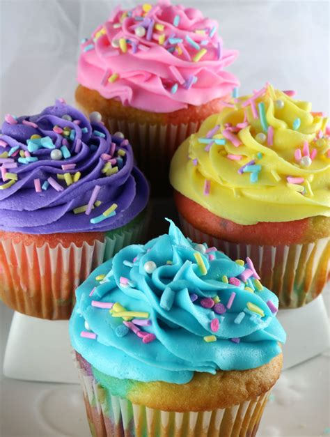 a picture of cupcakes cupcakes stock photos royalty free images dreamstime