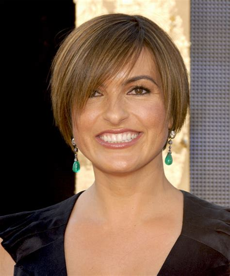 Mariska Hargitay Short Straight Casual Hairstyle with Side