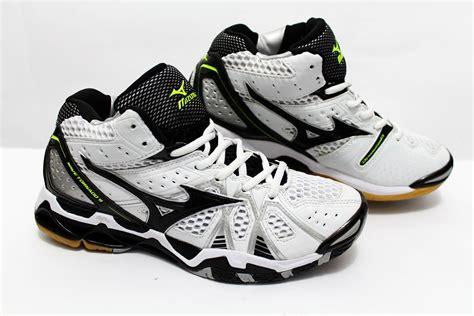 Sepatu Bola Voli Mizuno Terbaru jual beli sepatu olahraga voli mizuno wave tornado 9 mid
