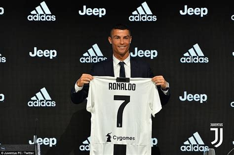 ronaldo juventus daily mail cristiano ronaldo officially unveiled as a juventus player in turin daily mail