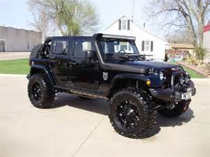 so who thinks we need more 4wds like jeeps and hummers in