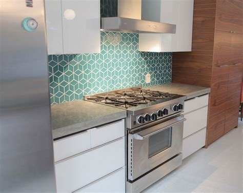 turquoise backsplash turquoise repetitive backsplash home decorating trends