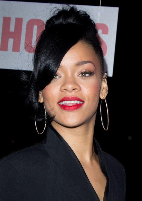 rihanna biography life documentary rihanna photos pictures stills images wallpapers