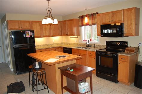 Kitchen Cabinets Refacing by Minimize Costs By Doing Kitchen Cabinet Refacing
