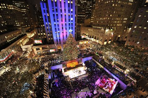 holiday lights in new york new york christmas wallpapers wallpaper cave