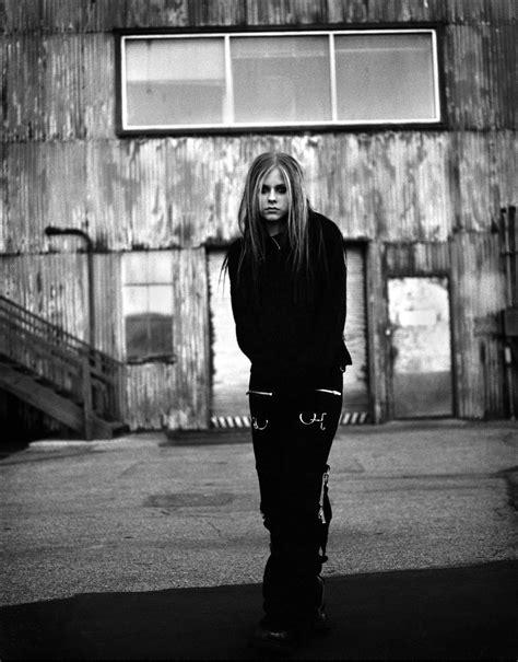 Under My skin Album shoot [HD] - Avril Lavigne - Taringa!