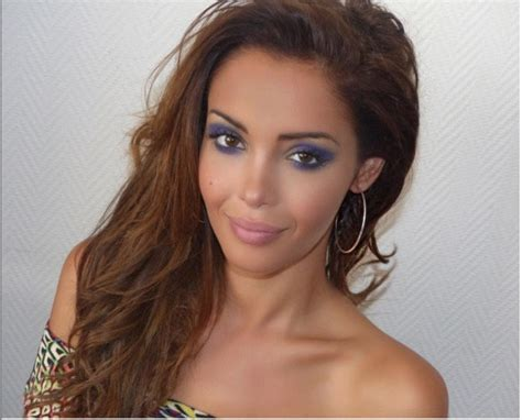 gossip internet sites photo nabilla en pleine conception de son site internet