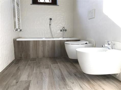 gres porcellanato effetto legno bagno bagno in gres effetto legno e gres bianco 3d marazzi
