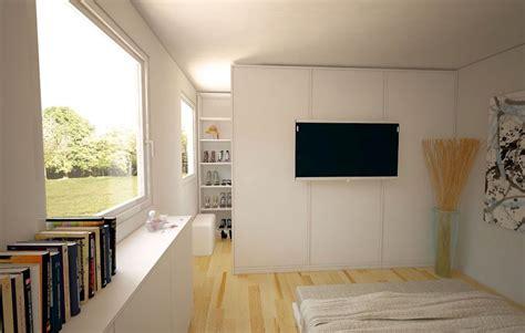 fernseher im schlafzimmer ideen begehbarer kleiderschrank im schlafzimmer schlafen