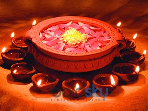 Housewarming Gifts India diwali decoration ideas in budget floating candles photos