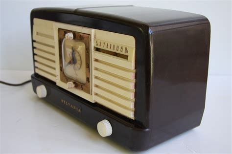 Retro Sylvania 540m Bakelite Table Top Tube Alarm Clock Desk Radio With Reception