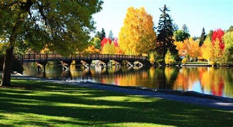 parks bend oregon throwing autumn leaves around is the best at park in bend oregon bend oregon