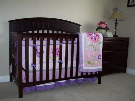 graco charleston 4 in 1 convertible crib in cherry color