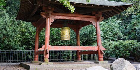 pavillon volkspark friedrichshain berlin gedenkt hiroshima und nagasaki gegen das vergessen
