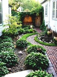 Small Simple Garden Ideas Simple Landscaping Ideas Designs Garden And Patio Narrow Side Yard House Design With No Grass