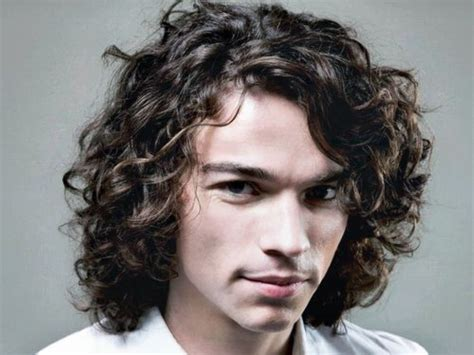 67 great hairstyles for curly wavy haired hairstylo