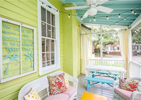 colorful small cottage decor bright wall painting ideas a colorful cottage on tybee island hooked on houses